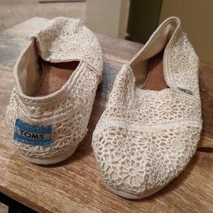 TOMS Lace Crochet Flats